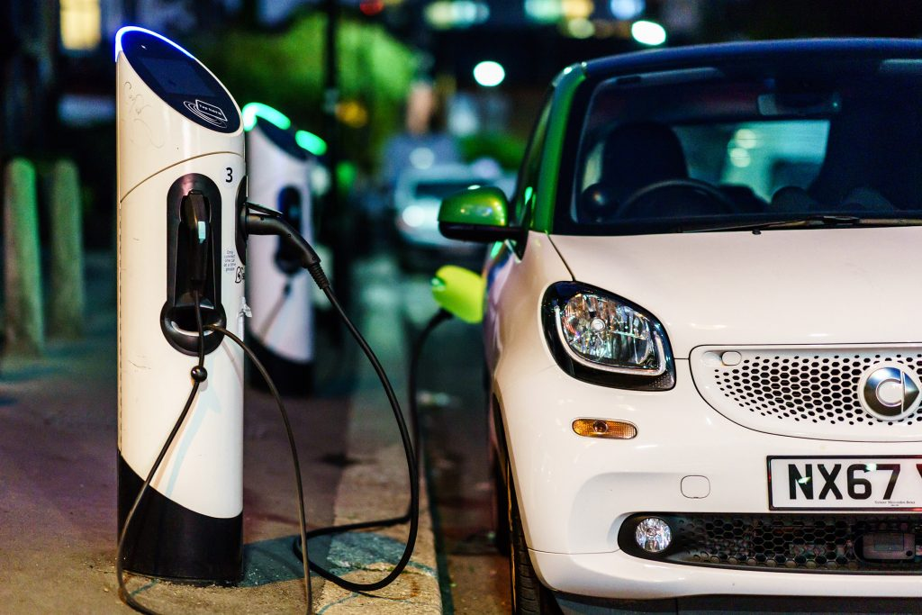 "Governments must give owners ""the right"" to charge EVs ..."