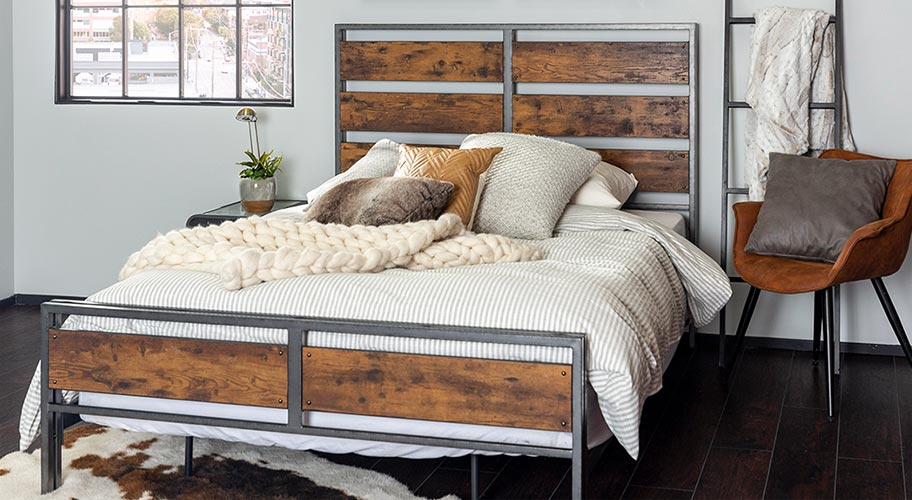 Wooden Bed vs. Metal Bed - Which One to Choose