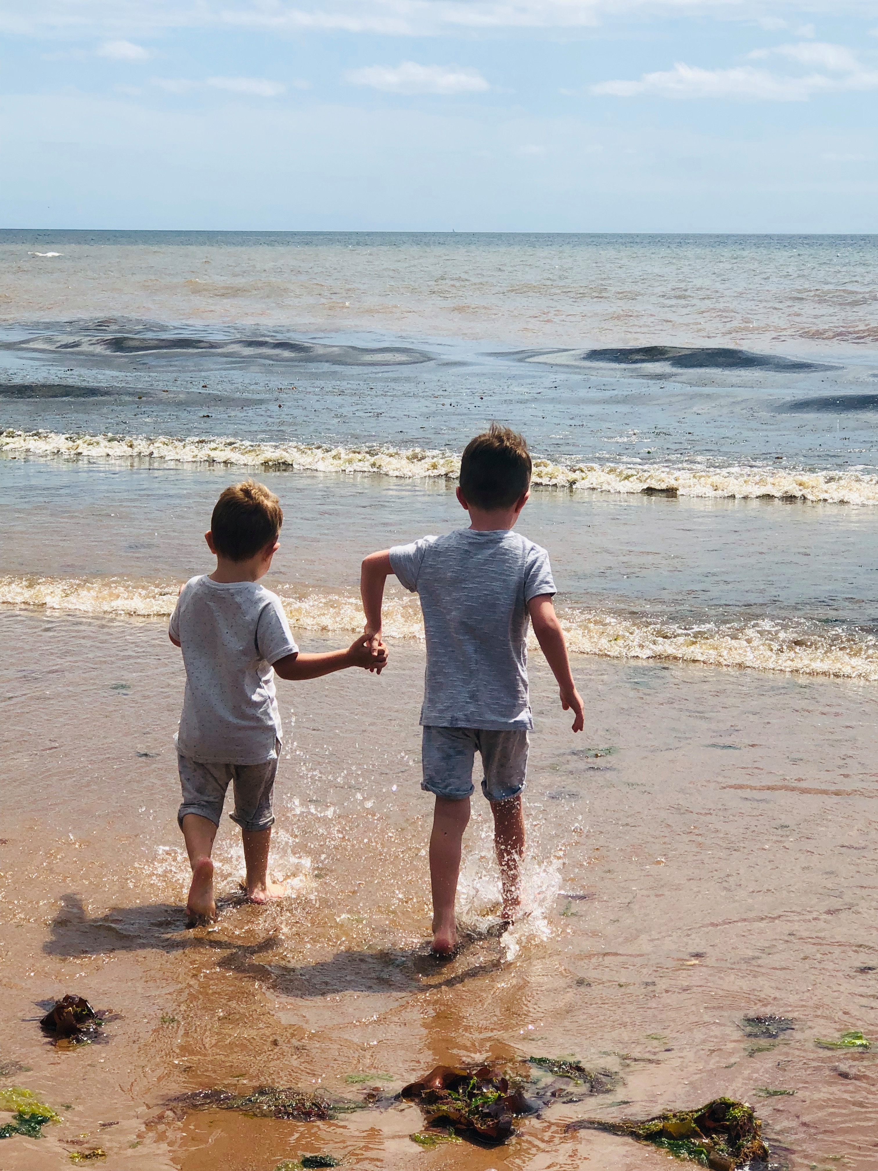 Book your Hols from £9.50 and pick from 245 holiday parks across the UK and Europe