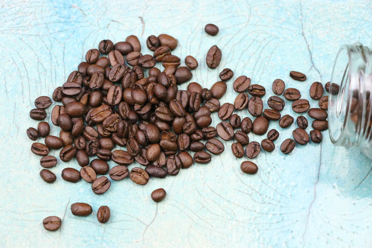 Difference Between Light & Dark Coffee Beans